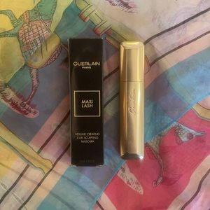 GUERLAIN Maxi Lash Volume Creating Curl Sculpting